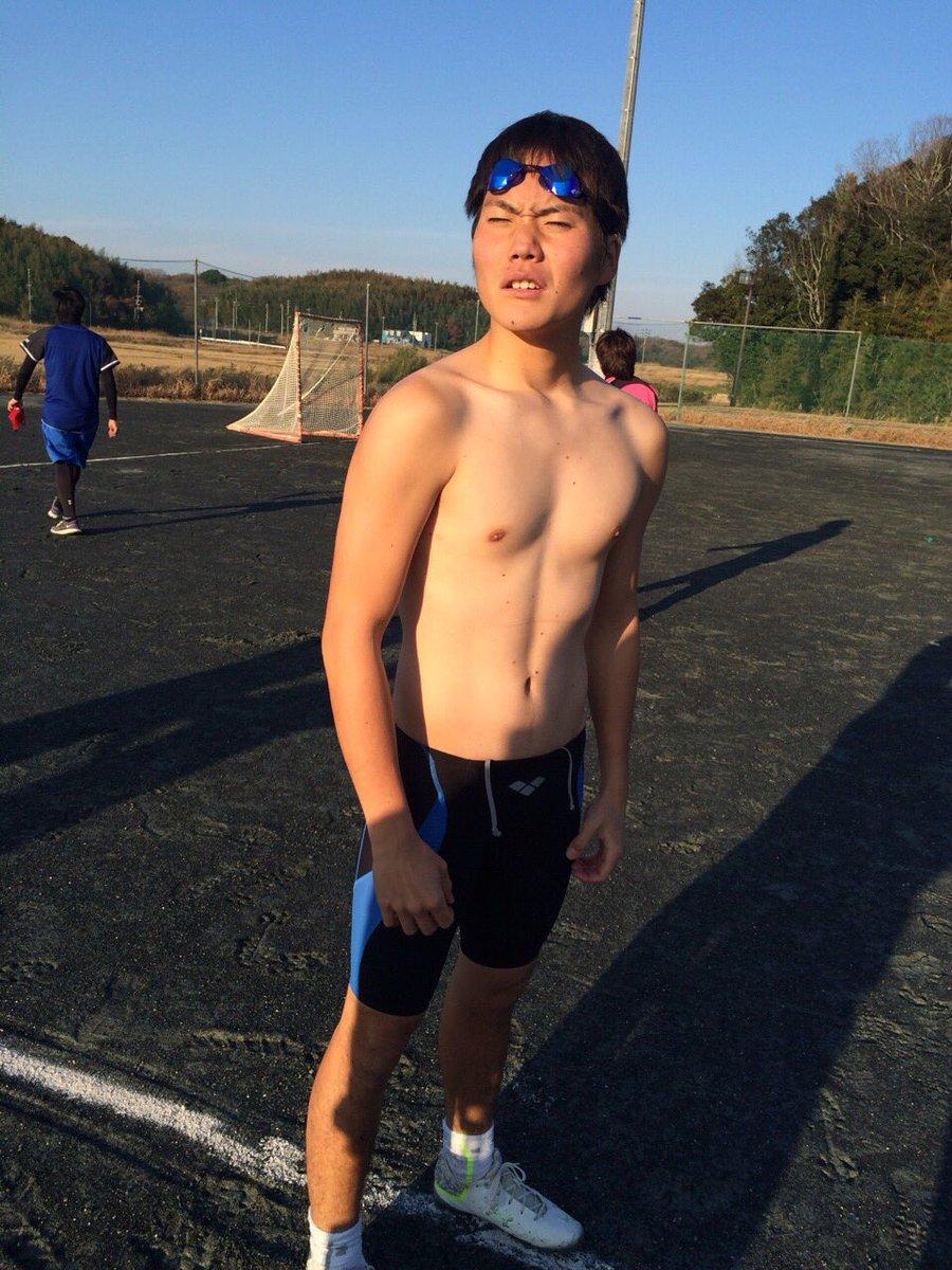 上原 拓朗 55 子ども発達 学校教育大分県 中津南高校 水泳大分が生んだ方言男子。興奮するとつい方言が出てちゃうっちゃ。そんな彼はラクロスにものすごく熱い男。