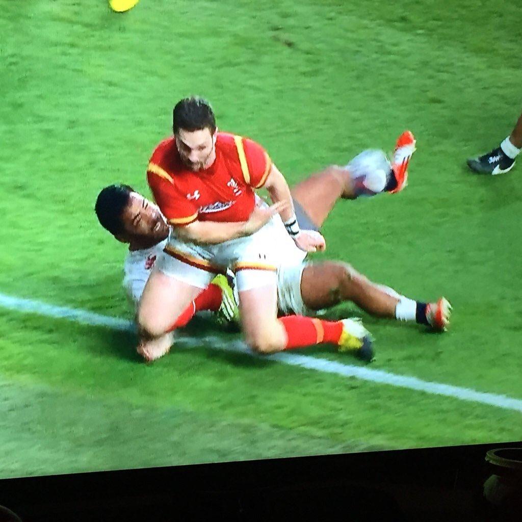 Pic via @stuartfloydelli. Rugby needs to start using video technology