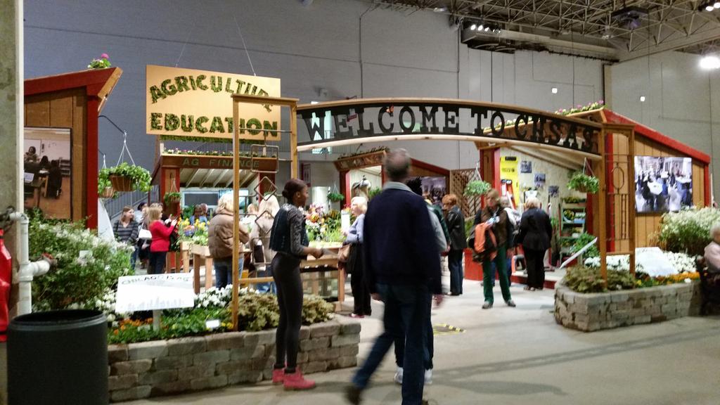 Chicago High School for Ag Sciences garden! https://t.co/I0MJSQz14p