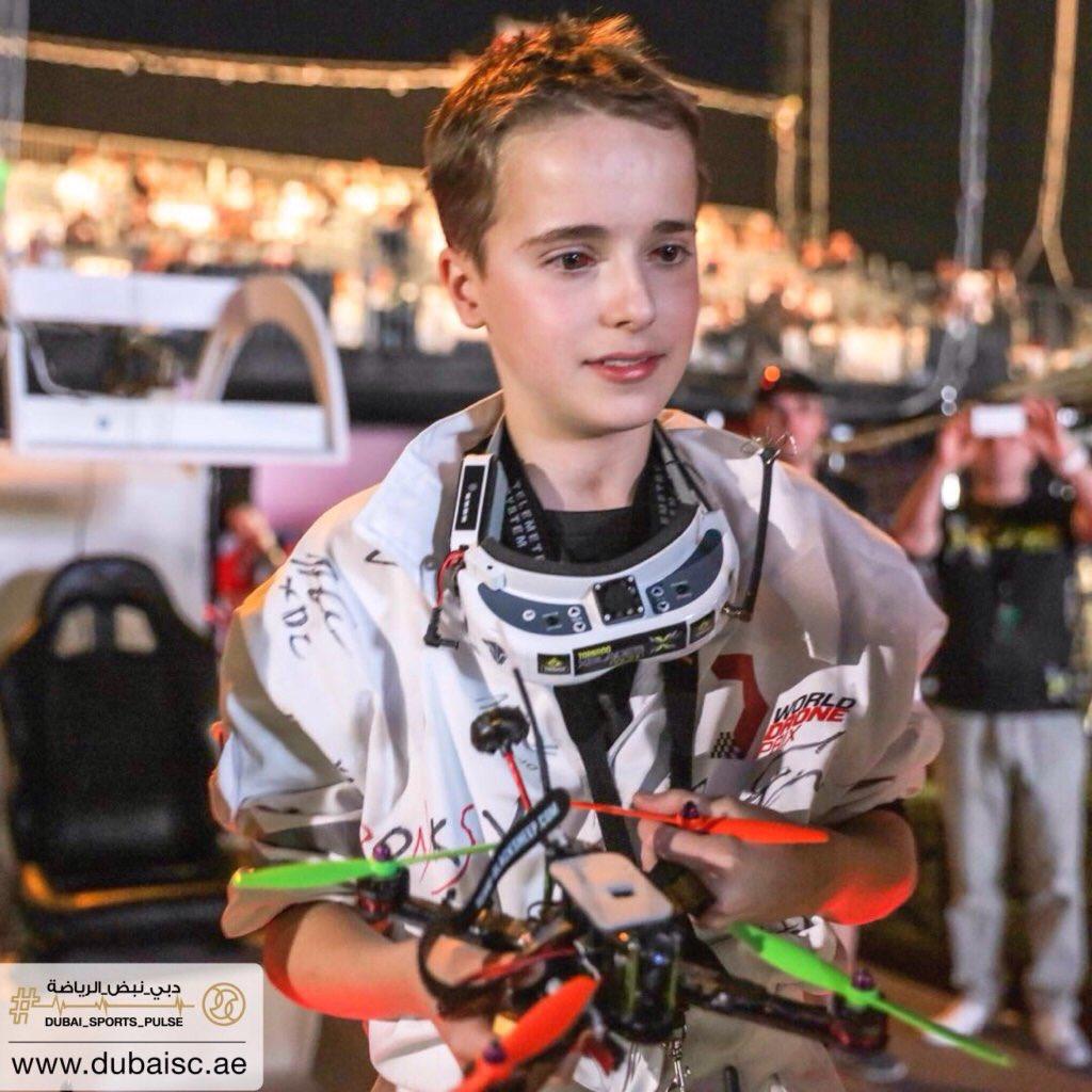 Первый чемпионат по гонкам дронов выиграл 15-летний Люк Баннистер