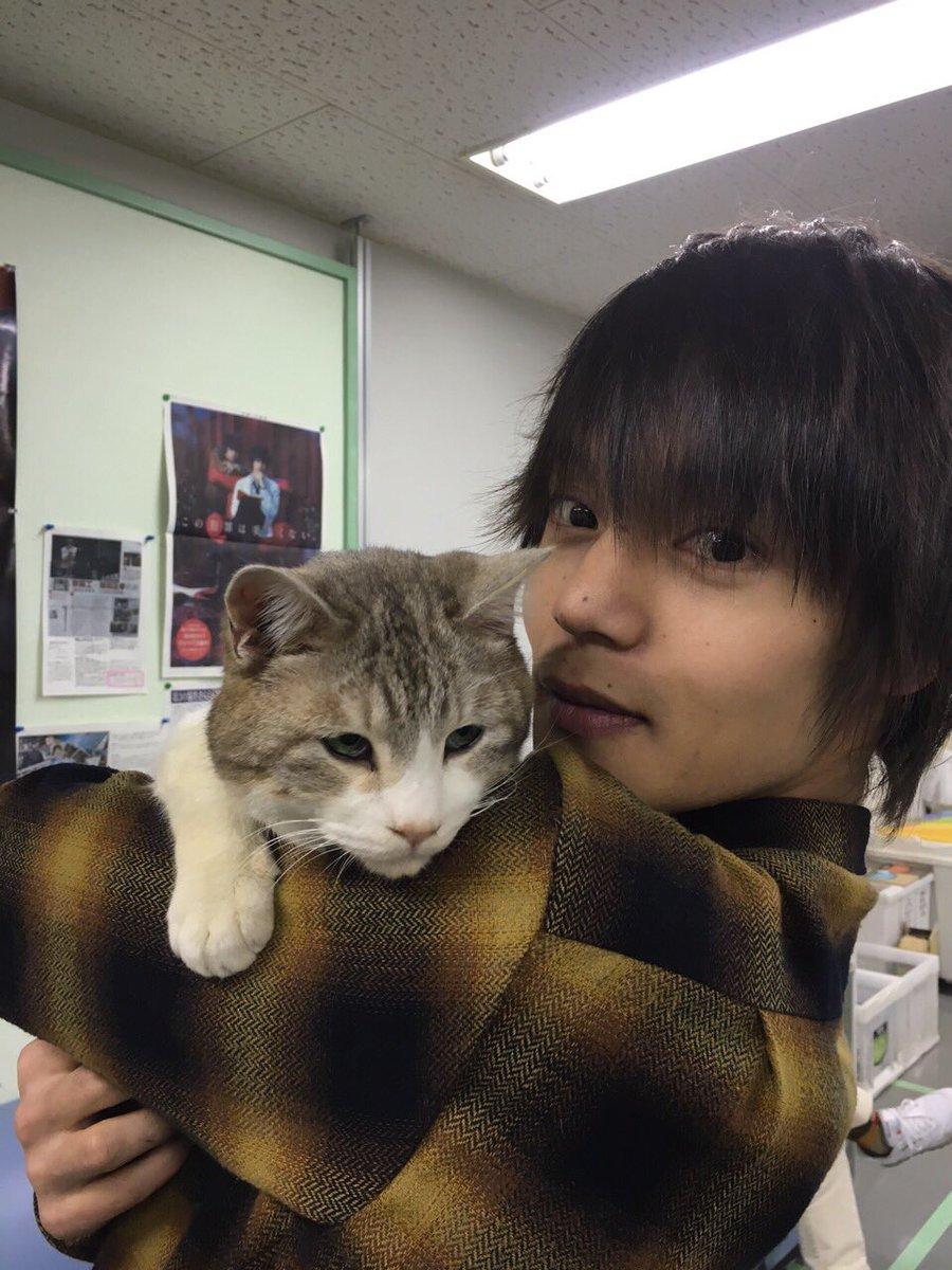 お互いにお別れしたくなく、拗ねるモモちゃんと窪田さん。 モモちゃんの最終回の熱演は涙を誘います!今夜22時30分お見逃しなく!! #火村英生