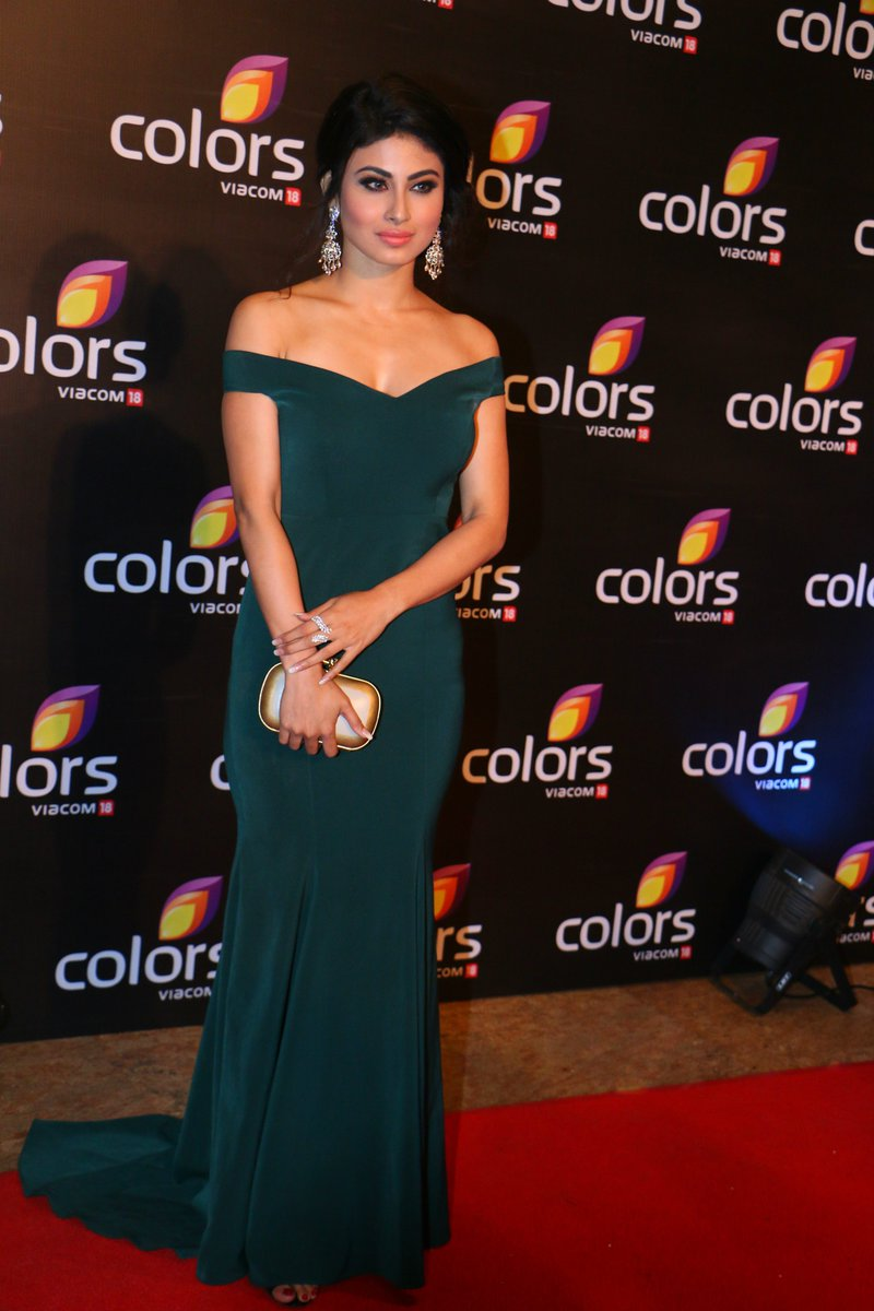 Mouni Roy at Colors Annual Party 2016 Image, Naagin serial Mouni Roy aka Shivanya latest pictures