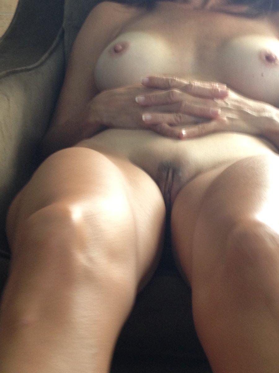Nude Selfie 4048