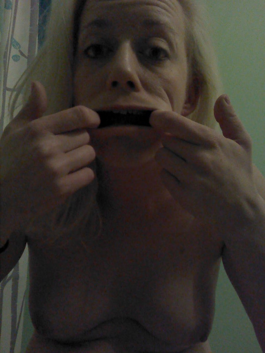 Nude Selfie 4080