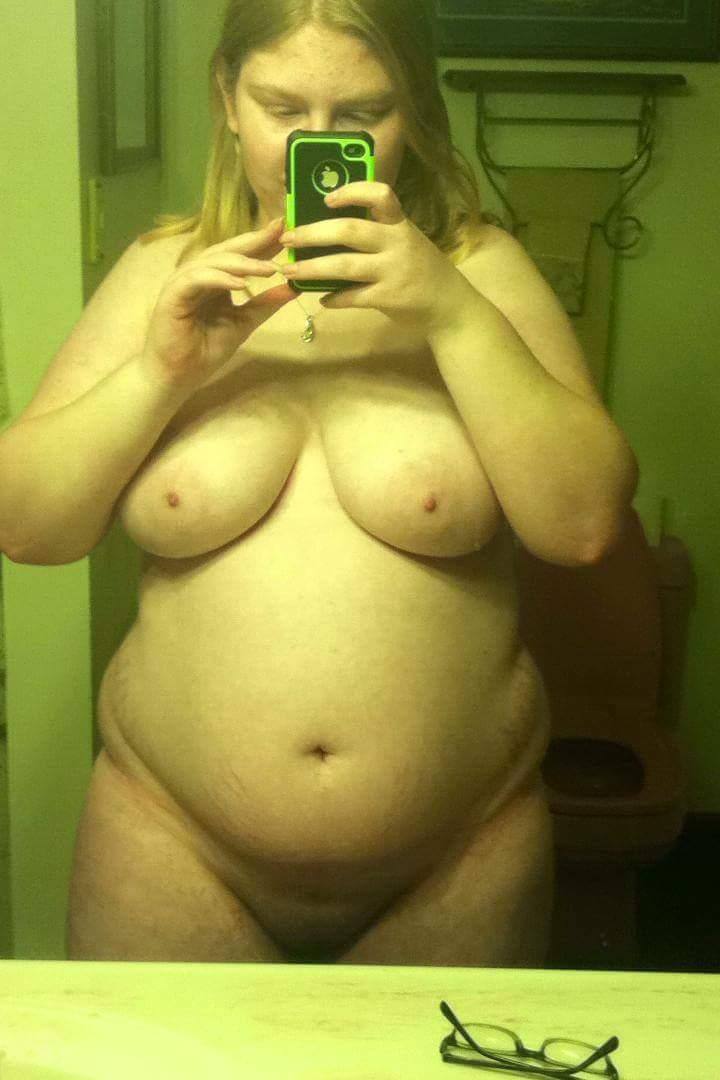 Nude Selfie 4102