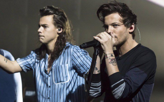 #OneDirection @Louis_Tomlinson so happy about @Harry_Styles career news! https://t.co/ftPApE0HAc https://t.co/tpx6Wx3neN