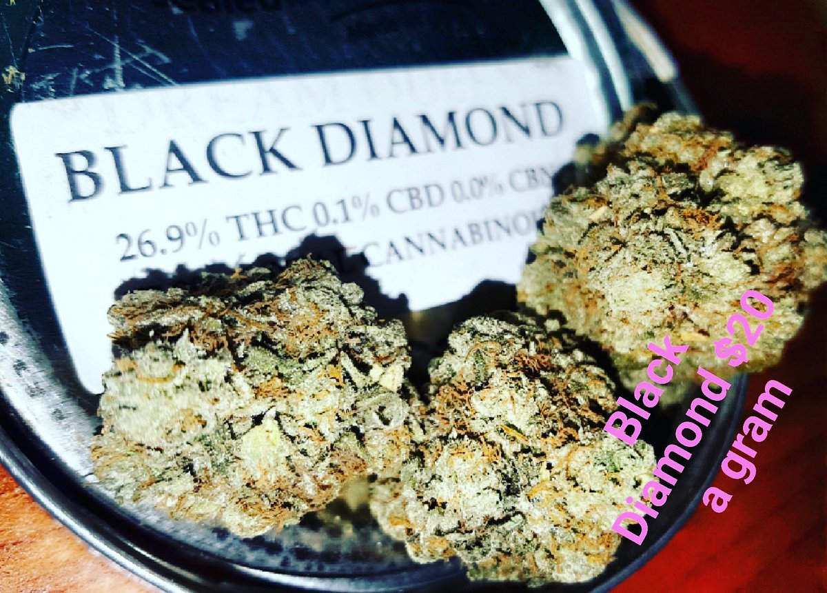 Come get 10% off any order today even get up to 20% off if you already have 10% with us!!  #wakeandbake #sdstoner pic.twitter.com/Uk3D44z43j