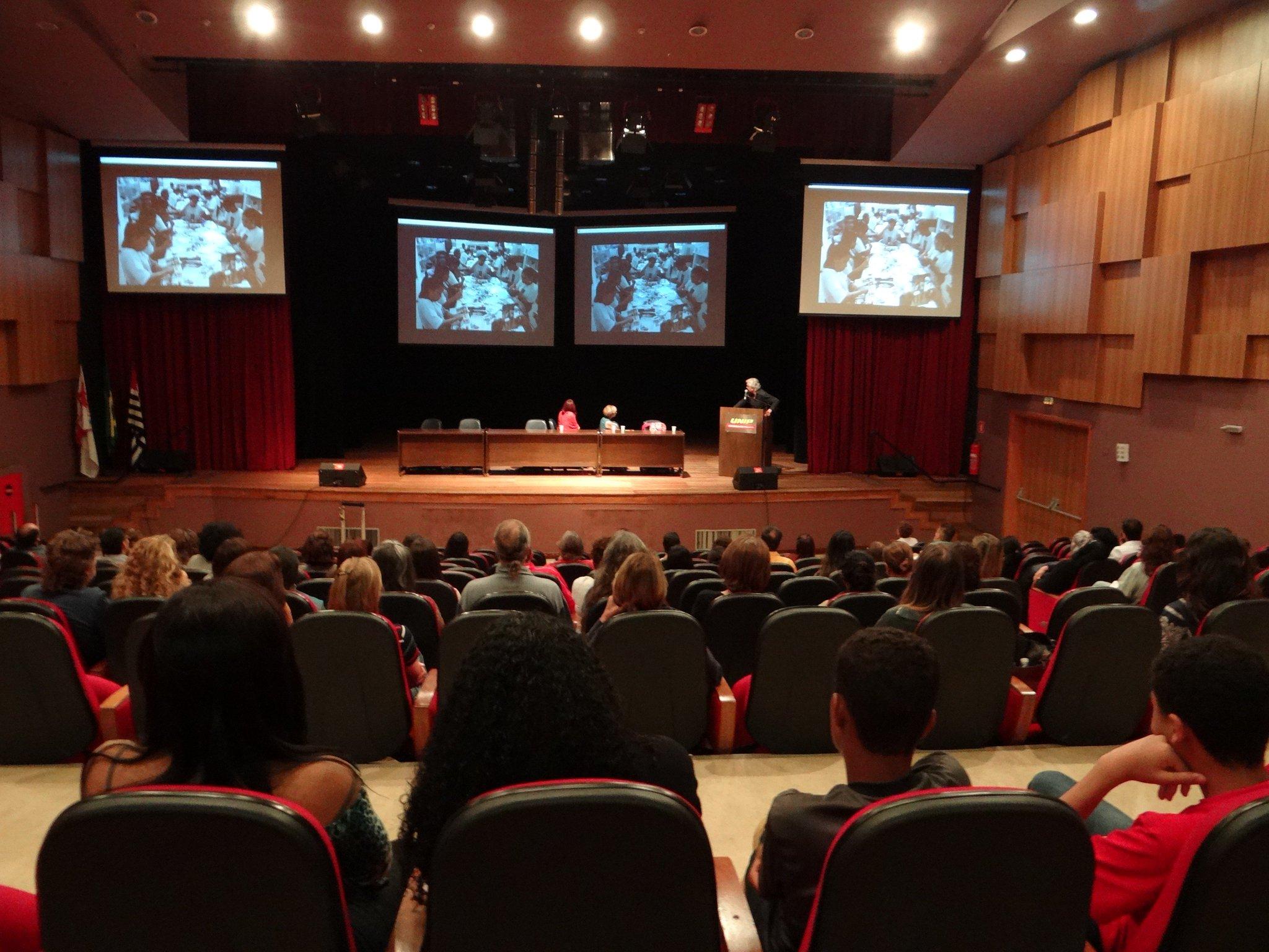 Neste sábado aconteceu a aula inaugural da pós-graduação em Arteterapia da Unip https://t.co/wKMZ8hYEpG