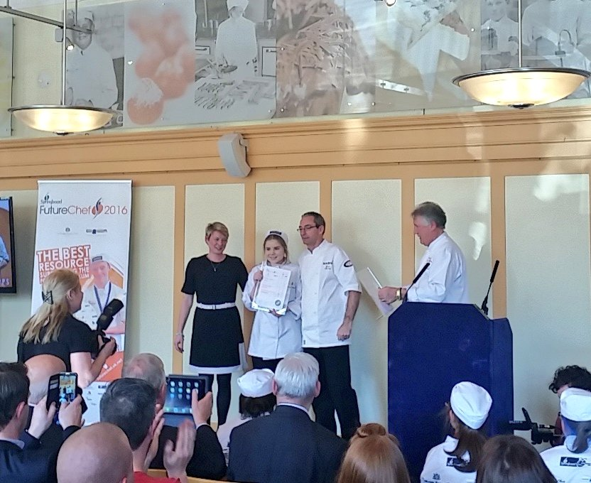 A huge congratulations to Bethan Disley-Jones who is the winner of FutureChef 2016! @SBFutureChef https://t.co/dYVnPnrBXm