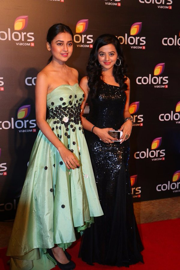 Tejaswi Prakash and Helly Shah aka Swara-Ragini of Swaragini at Color Annual Party 2016 Image-Picture
