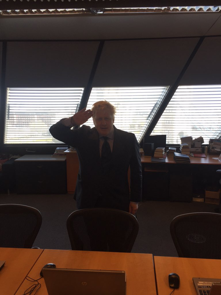 Just back from @noordinarypark folks so let's get cracking! Please send in the questions using #AskBoris https://t.co/x0TPjnHde1