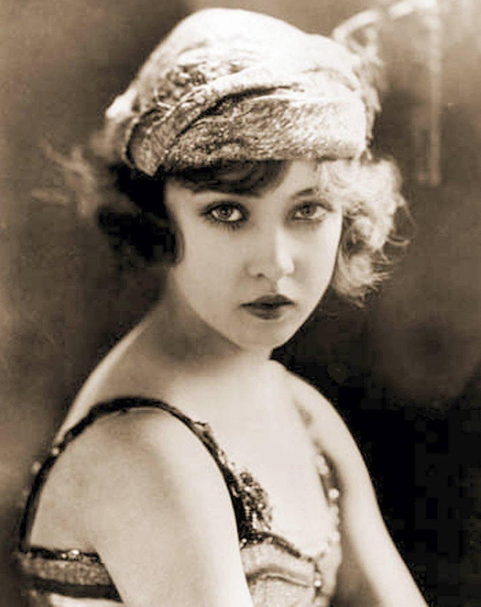 Happy Birthday to silent screen actress Doris Eaton Travis (1904 – 2010). #DorisEatonTravis <br>http://pic.twitter.com/FQAcwzox3s