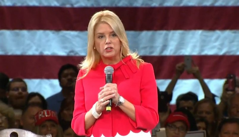 """""""Today I am proud to endorse Donald Trump for President of the United States of America""""-FL Attorney Gen. Pam Bondi https://t.co/id0m6Kt2Ig"""