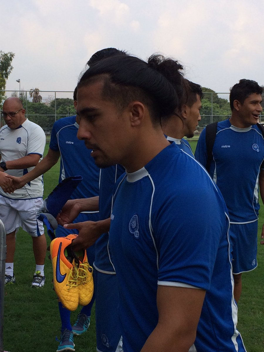 Rusia 2018: La seleccion se prerapara para el juego contra Honduras en San Salvador. CdhQShBUYAQdHTx