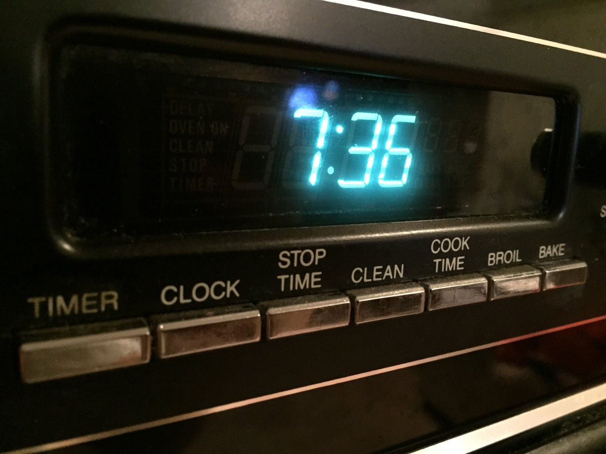 Anyone dare me to push the third button from the left on my oven? I'm terrified. https://t.co/ddPBKfdnp7