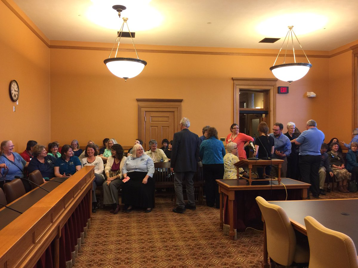 582N is getting full already! #ksleg #kslibraries https://t.co/QIHwY9Fyd5