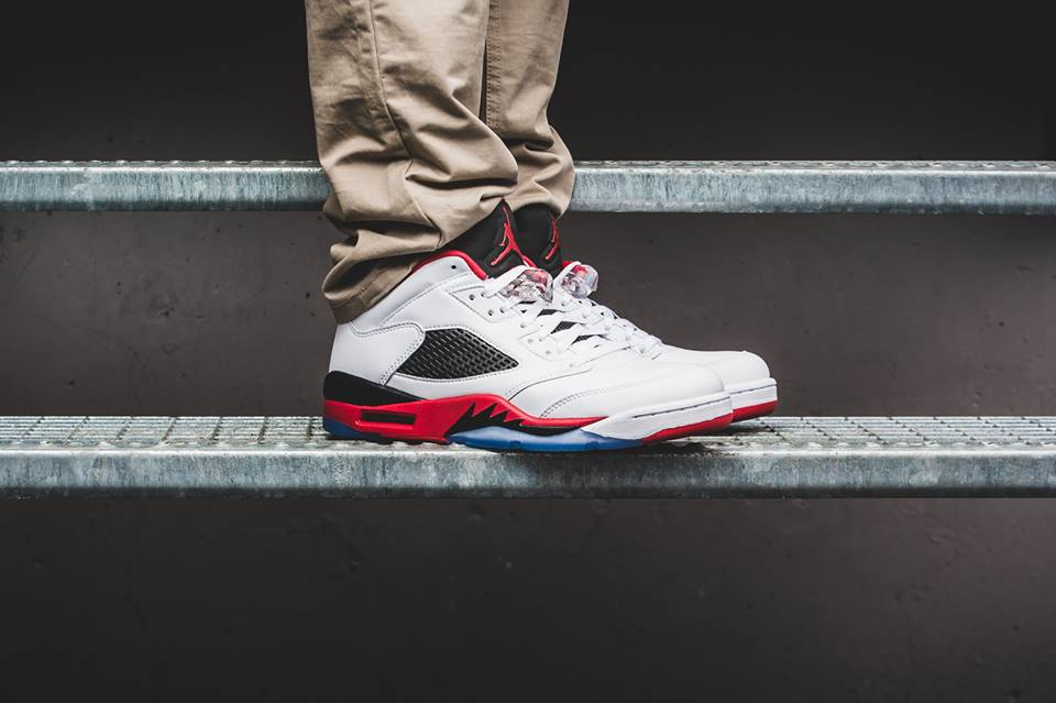 55b99761bf2d08 Nike Air Jordan 5 Low Fire Red http   thesolesupplier.co.uk closer-look  nike-air-jordan-5-low-fire-red-on-foot-look  …pic.twitter.com BMeiqlpM4V