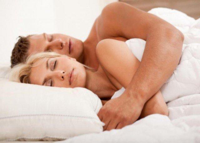 5 ragioni per dormire nudi (Parte prima)