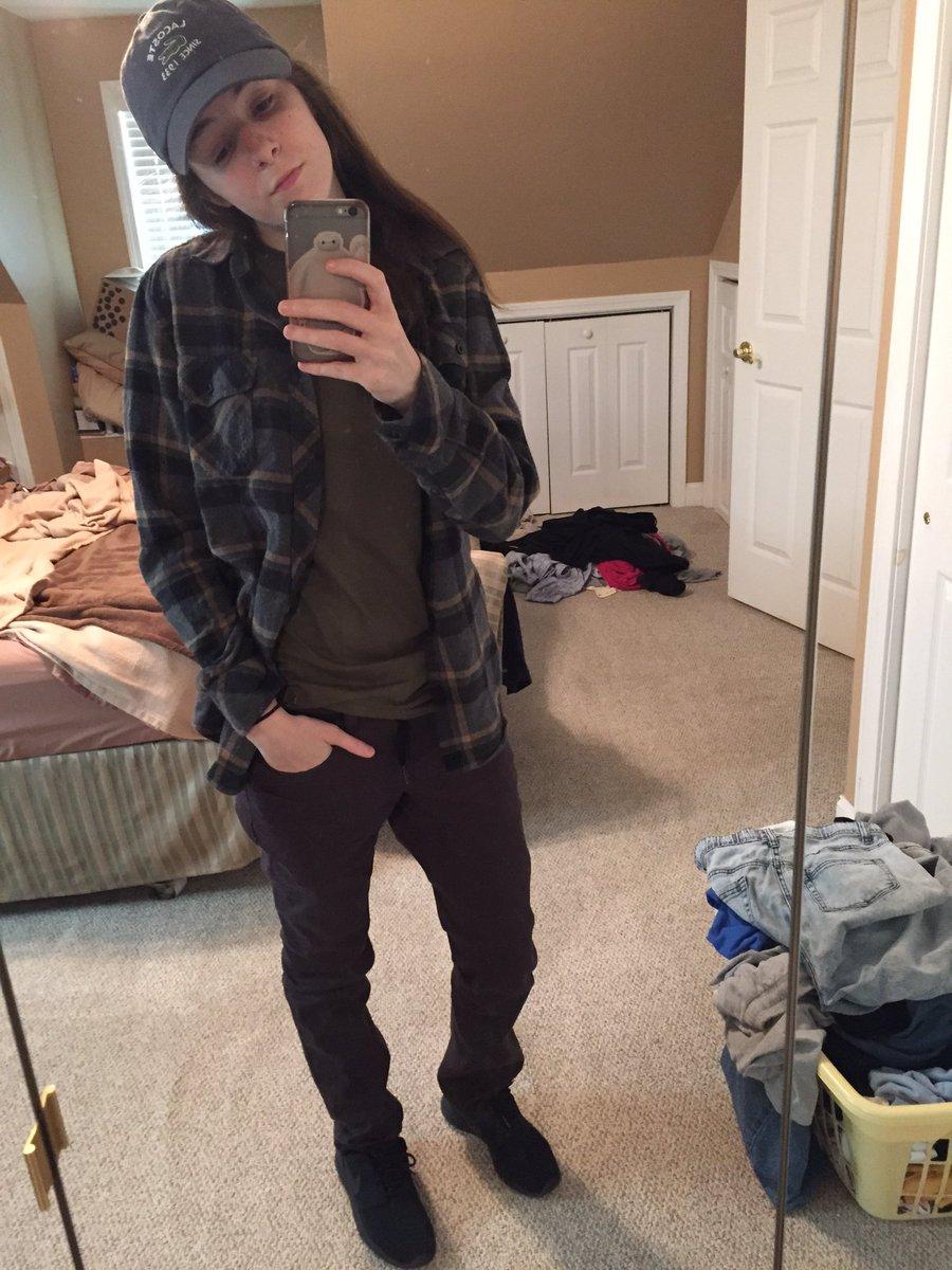 Em On Twitter Pretty Girls That Dress Like Boys Fuck Me Up