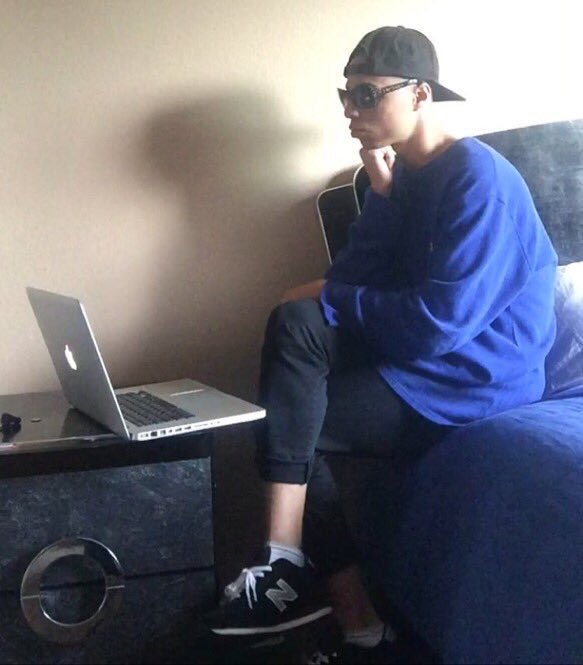 college student on twitter me waiting for this essay to type  never miss a moment