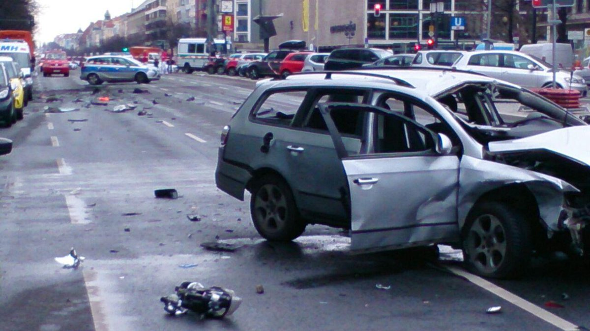 Berlin blast: man killed in suspected auto bomb