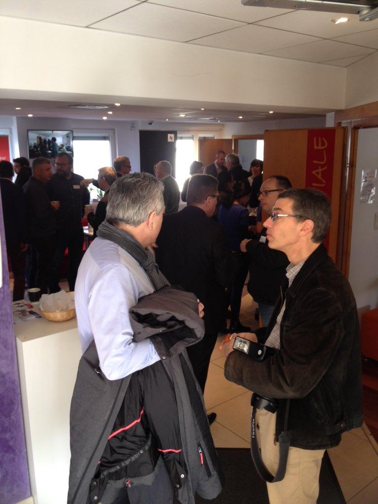 Petite pause dans le cycle de conférences pour parler business entre participants :) #bzbalsace https://t.co/iNYRiC1IMs
