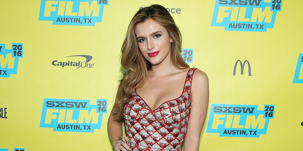 .@bellathorne is the latest star to look