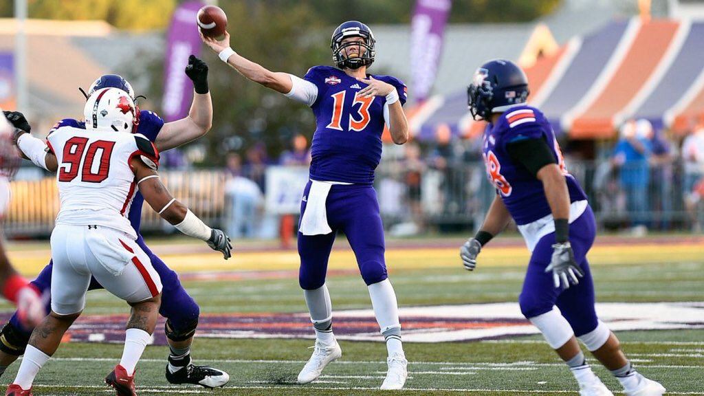 Success!  Stephen Rivers (Philips brother)  6'7 225, shines at Northwestern St pro day! Completes 64-67! #SlayOn https://t.co/4iSaDnOzCp