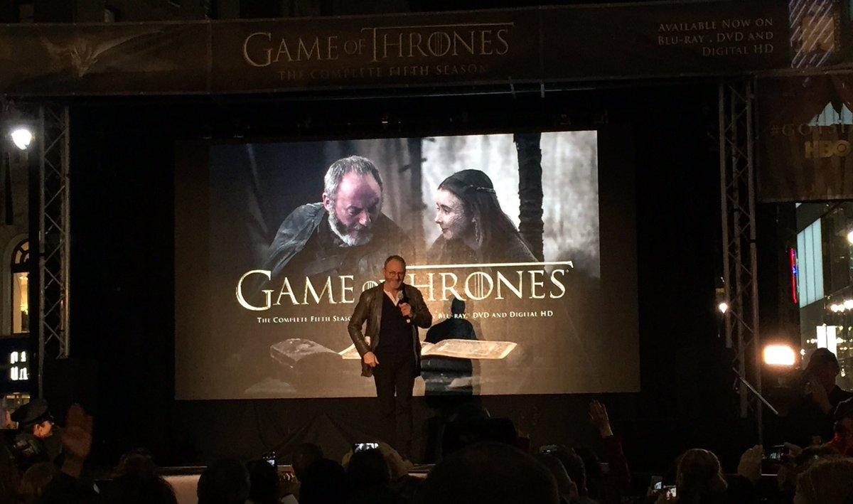 .@LiamCunningham1 (aka Davos Seaworth) surprises hundreds of fans at the @GameOfThrones #GOT5DVD screening in NYC https://t.co/maBNe21UGo