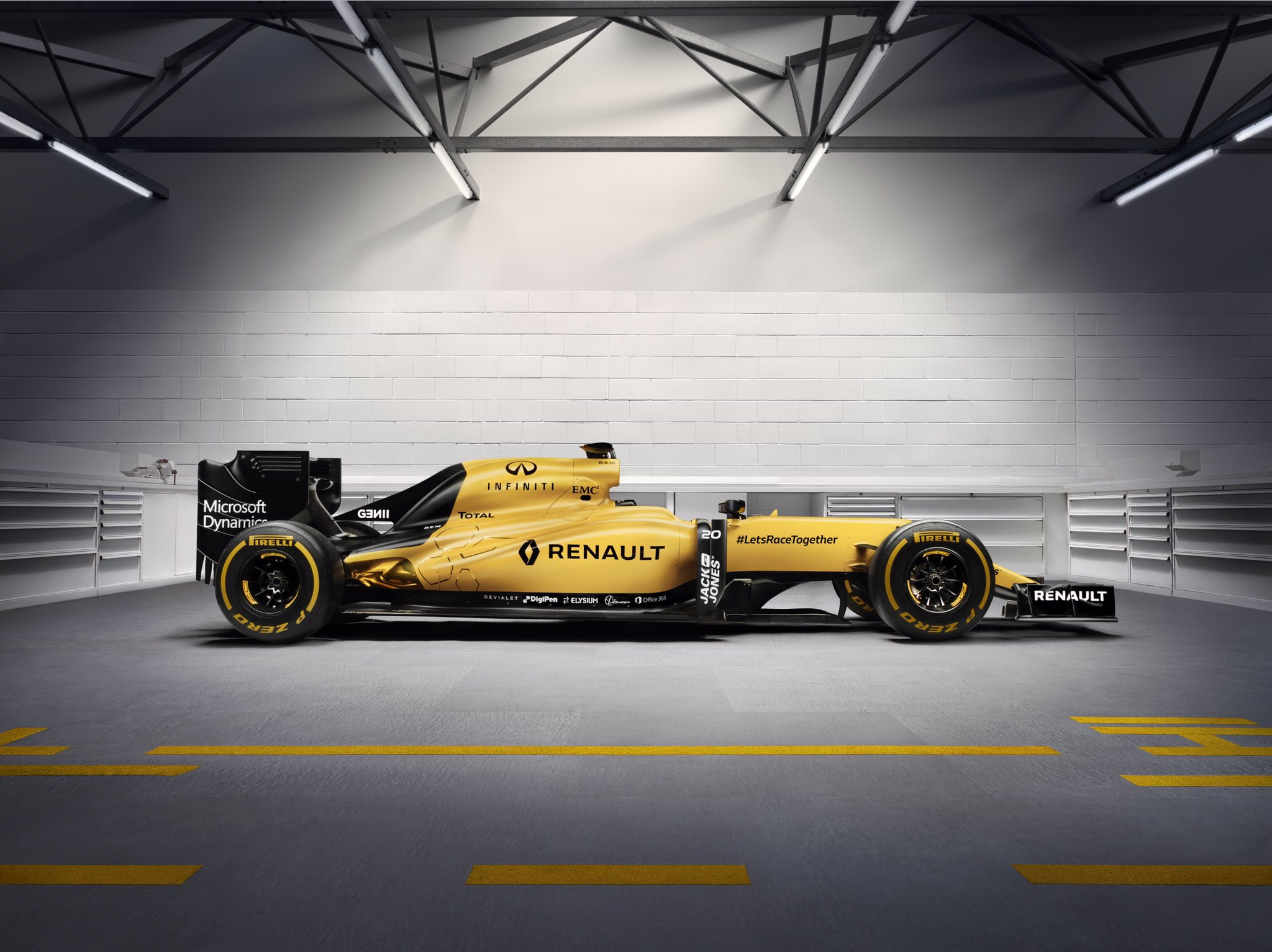 renault sport f1 on twitter here she is folks in all her gloriously yellowness the r. Black Bedroom Furniture Sets. Home Design Ideas