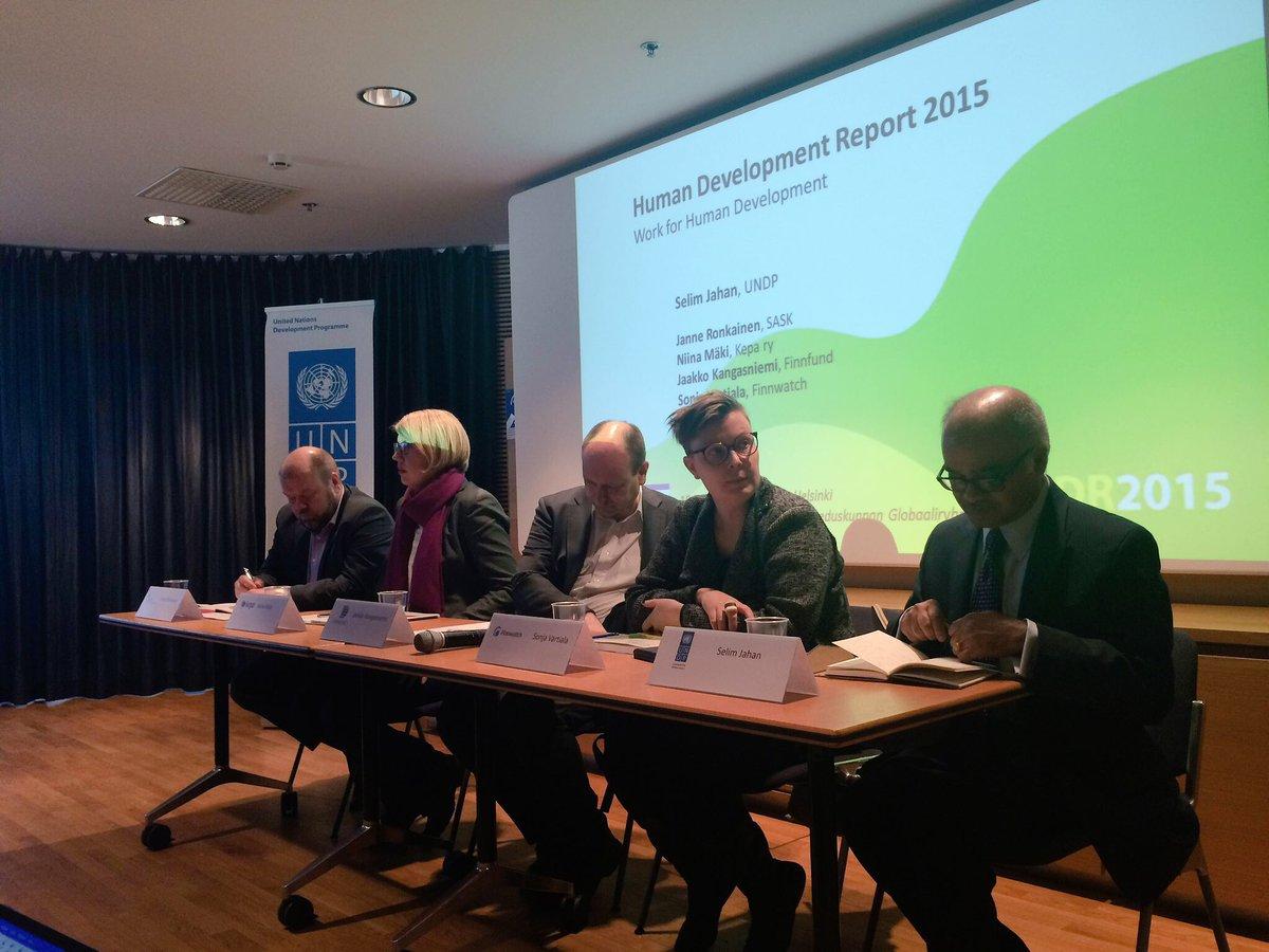 Janne Ronkainen: laadukas koulutus kaventaisi digitalisaation aiheuttamaa kahtiajakoa työmarkkinoilla. #HDR2015 https://t.co/MRSHpRyO3w