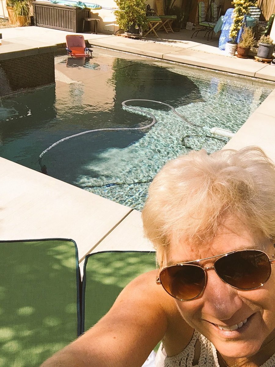 Mentally preparing 4 #cue16 #poolsideofficetoday TY @r1chance & Roland for wonderful hospitality @ your lovely home https://t.co/dN6GurTOQW