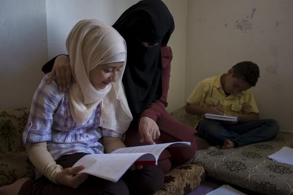 How counseling--and Zumba!--helps three generations of Syrian women find hope: https://t.co/njoZUVcrDg #withSyria https://t.co/FBYnfc49Sg