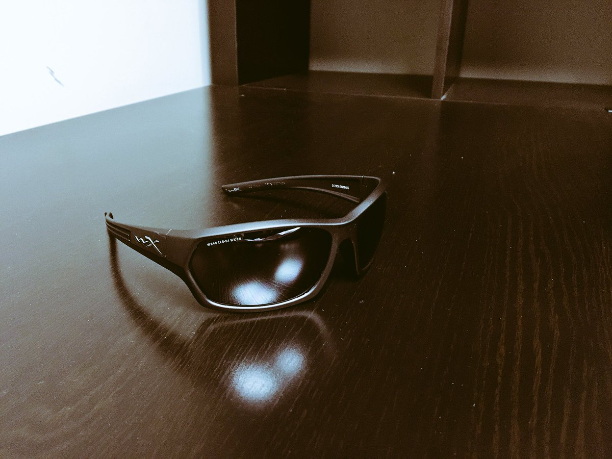 Nice pair of @wileyx sunglasses I have to give away, retweet for a chance to win! #WinItWednesday #TeamJL https://t.co/rSItfhJHUz