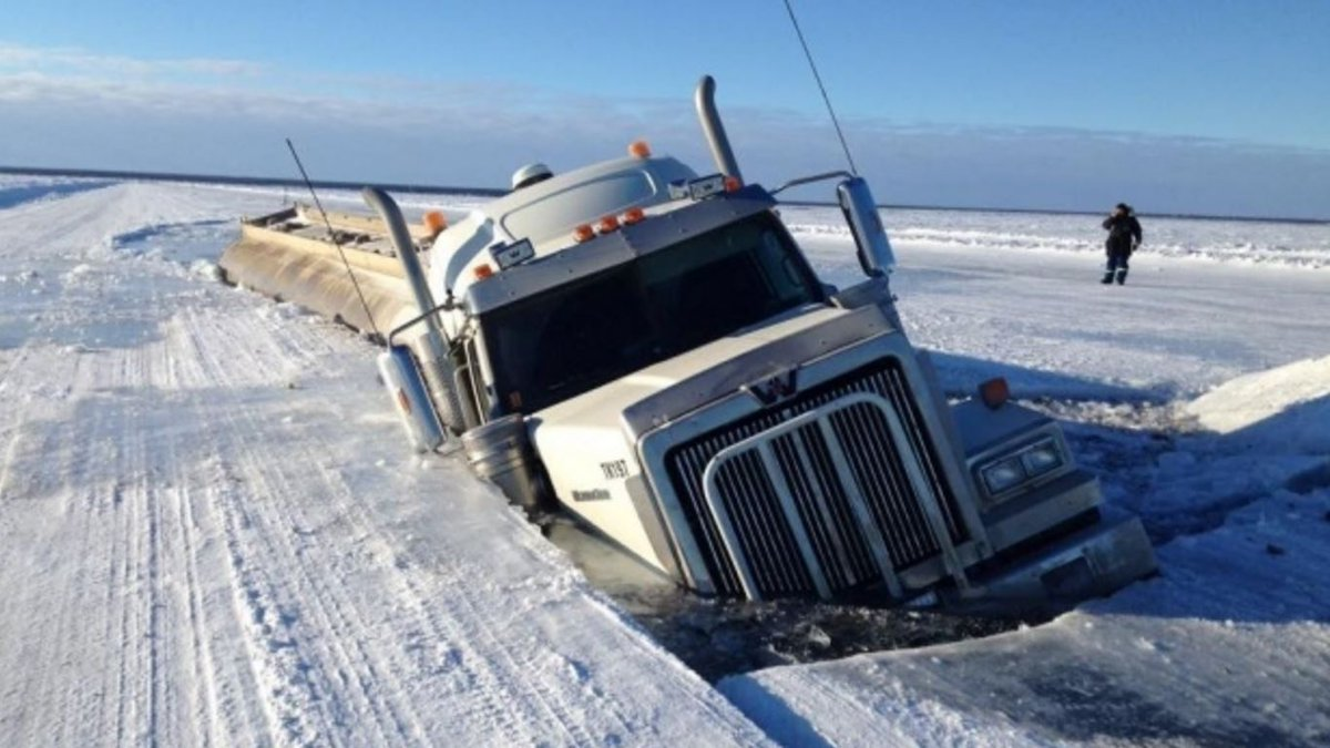 Oil truck breaks through melting ice. Environmentalists try to restrain sarcasm. https://t.co/pOu9YTcN8K
