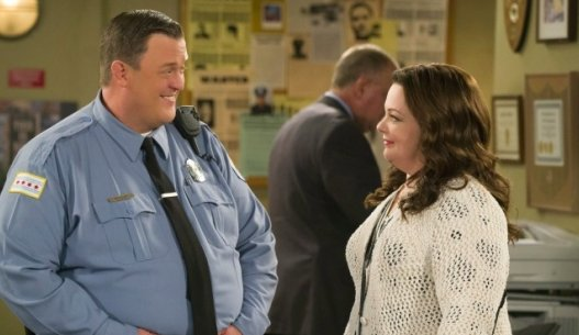 #MikeAndMolly returns with all-new episodes on Monday, April 25th at 8/7c on @CBS! https://t.co/9cllf5m9Ty https://t.co/8GF1rX8MNt