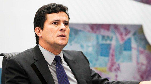 Moro enlouquece e ataca Presidência daRepública https://t.co/zR6QCZd7Em https://t.co/Bo3q5S2Wa2