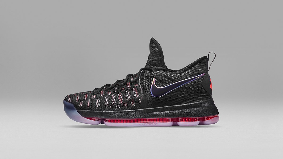 cfe9fdc628ae cover the court the kd9 features a full length zoom air unit for impact  protection