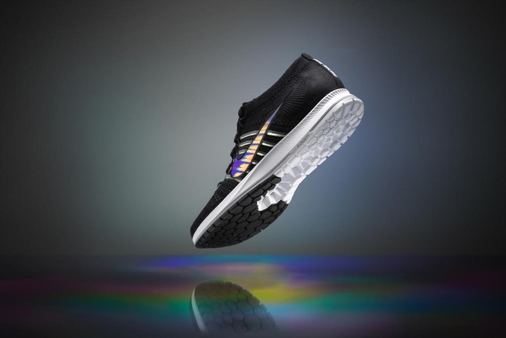 "roshe run noir gris - Nike on Twitter: ""Get on a running streak. Flyknit gains a new ..."
