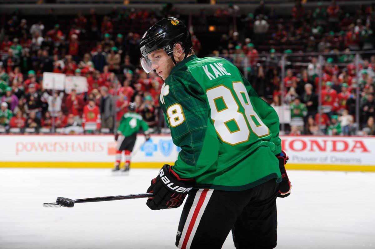 197027af1 The green St. Patrick's Day warmup jerseys are NOW up for auction! Bid  here: http://onego.al/ZzCpB pic.twitter.com/F3Xj1qSk9n