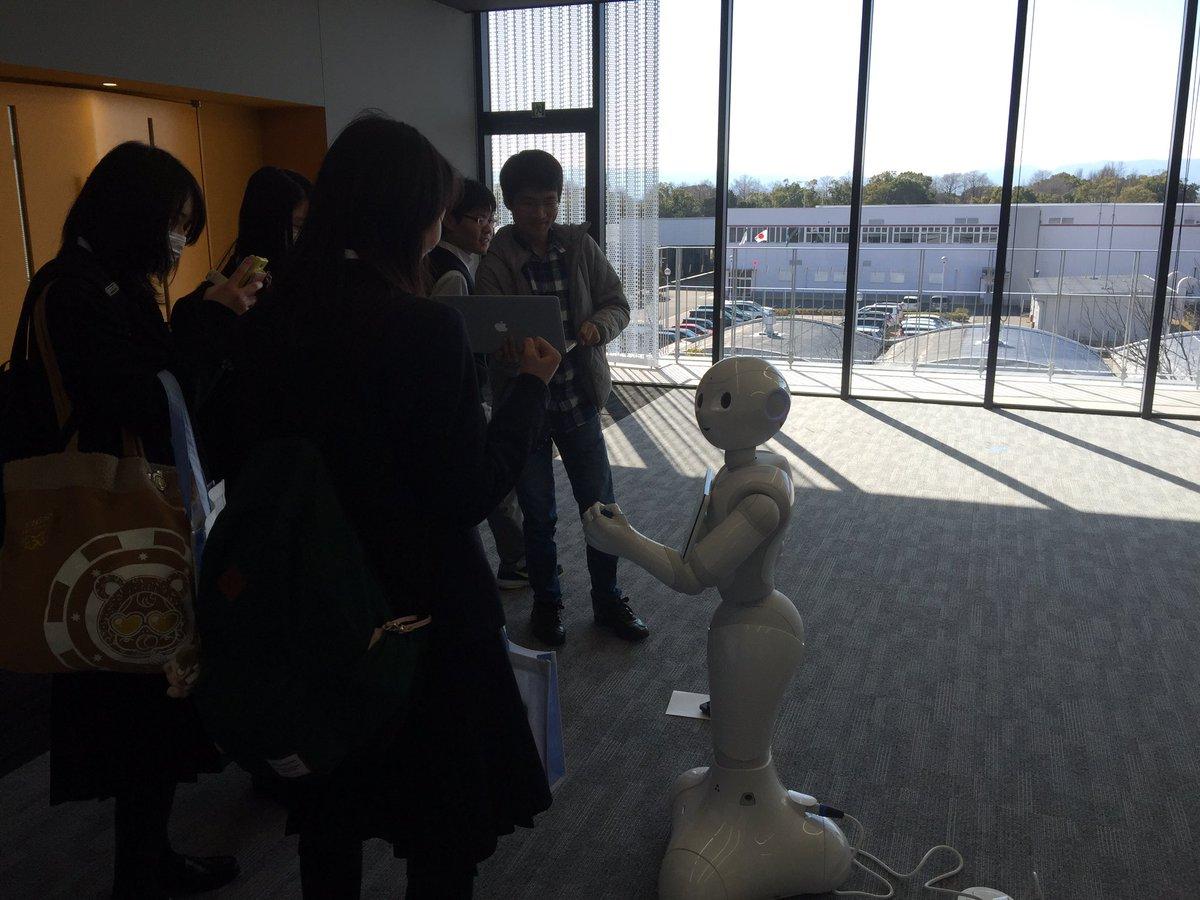 新入生って呼ばれてるんですね。笑 RT @SHasegawa: 名古屋文理大学にスタッフが増えました!学生からは、新入生と呼ばれてます (^O^)/ @iwaonakayama https://t.co/iECHVi8Wd4