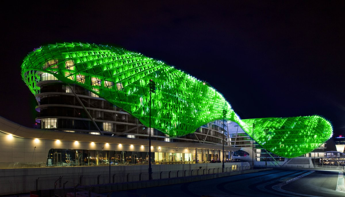The UAE goes #green for Ireland's National Day! #GlobalGreening @BurjAlArab @YasViceroy @GlobalVillageAE https://t.co/IoaNuA53Jb