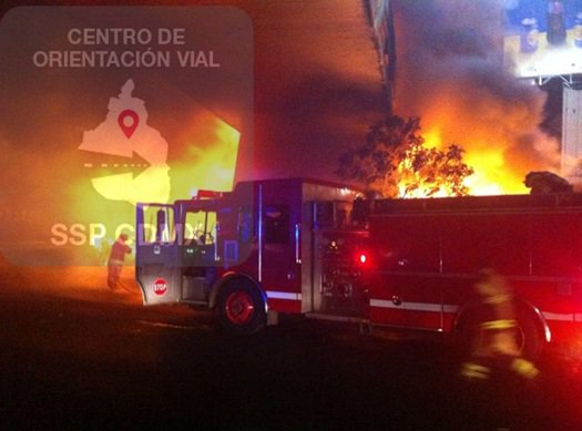ZN Extreme precauciones, servicios de emergencia laboran por incidente en Av. #Insurgentes a la altura de La Raza. https://t.co/aGllVqU7Dn