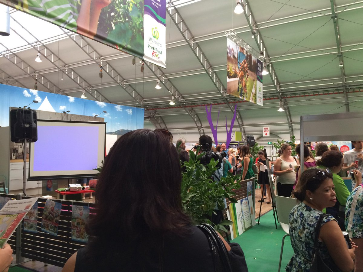 #aussieEd goes country. At the Royal Easter show with my pln #RASedu https://t.co/nlc5poFpN5