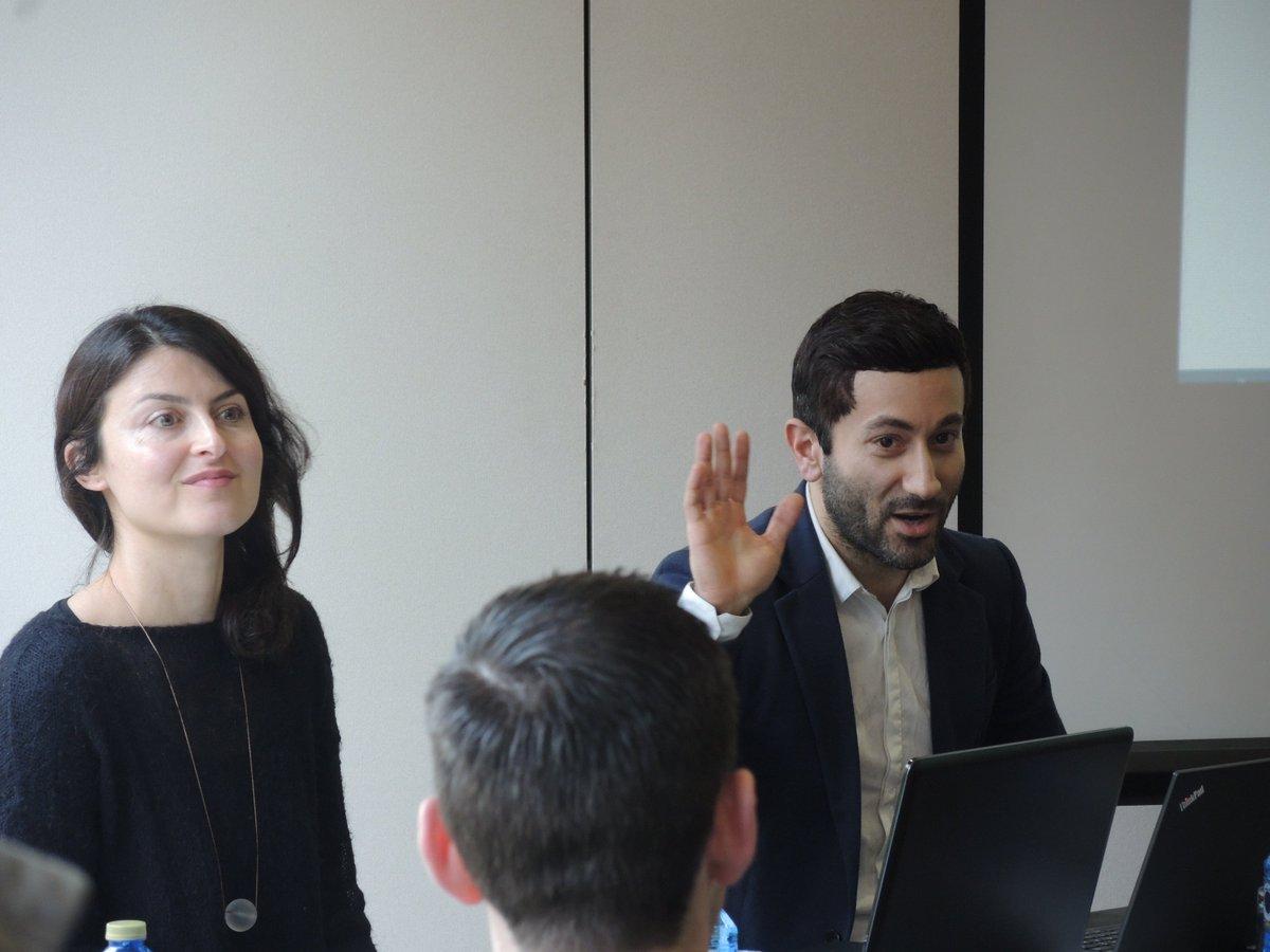 Jashar Seyfi from DriveNow presents at the eBRIDGE stakeholder conference, Valencia, Spain. #eBrIdgevalencia https://t.co/DDG9QYJ37x