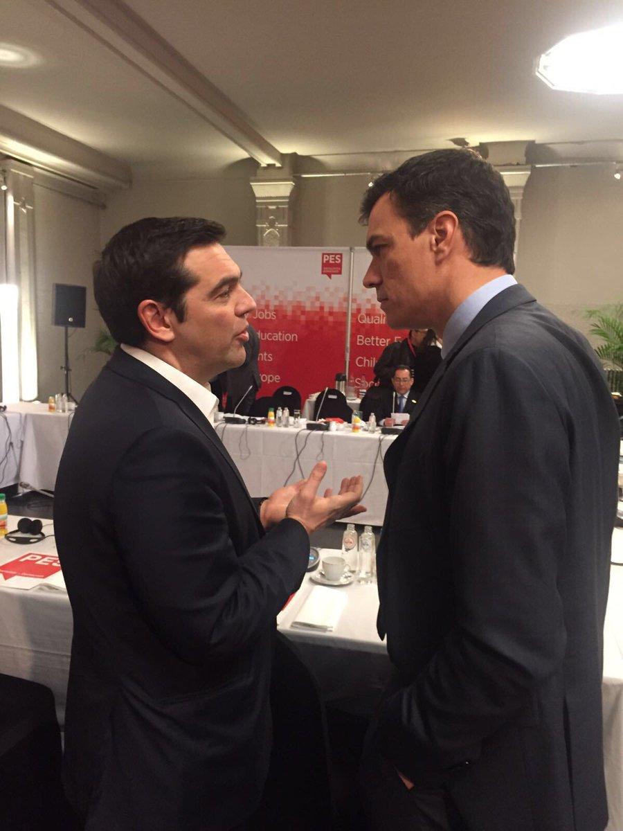 ¿Cuánto mide Alexis Tsipras? - Real height CdwWttzWIAUUrp5
