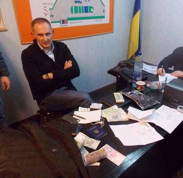 Киевские налоговики прекратили работу конвертационного центра с оборотом 400 миллионов гривен - Цензор.НЕТ 4239