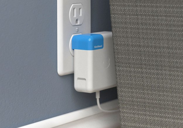 This $20 accessory will make your Macbook charger less annoying https://t.co/ad5xlxwean https://t.co/Jq6TJxzC8i