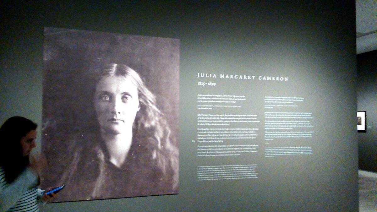 Empieza la visita a #expo_jmcameron en @mapfreFcultura, la #fotografía más íntima de una gran artista del XIX https://t.co/yamVl75VlD
