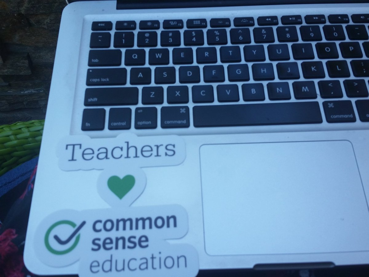 Thanks for the swag @CommonSenseEdu @molapus IT'S PERFECT #cue16 @sandramc59 https://t.co/bBLdbgZH2T